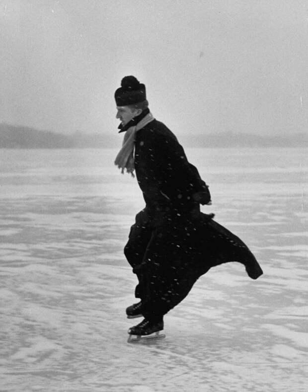 Священник на коньках, Детройт, Мичиган, 1954 год