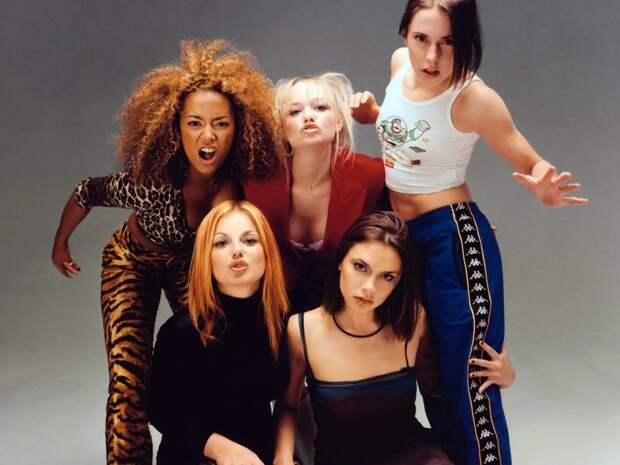 Участники популярных в 90-ых молодежных групп Backstreet Boys и Spice Girls тогда и сейчас