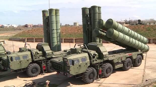 Российские военные обманули самолеты-разведчики США с помощью ложных частот С-400