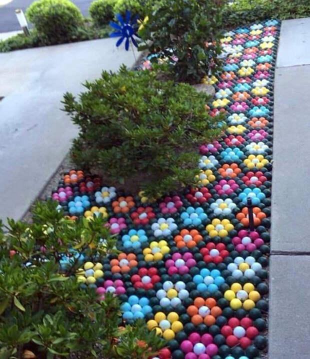 Мозаика из пластиковых шариков.   Фото: Pinterest.