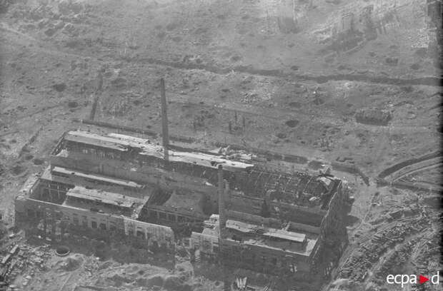 Аэрофотосъемка Сталинграда во время бомбардировки эскадрой пикирующих бомбардировщиков STG2 «Иммельман»