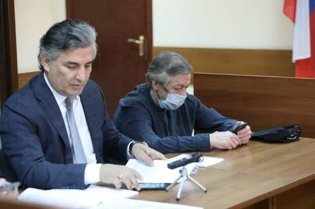 Пашаев заявил, что Ефремов взял на себя вину одного из своих друзей