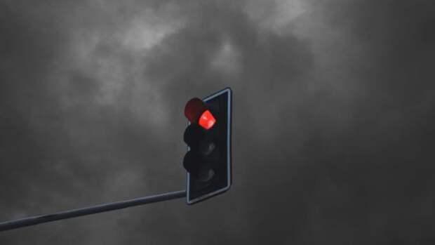 В Барнауле демонтируют светофоры на оживленном перекрестке