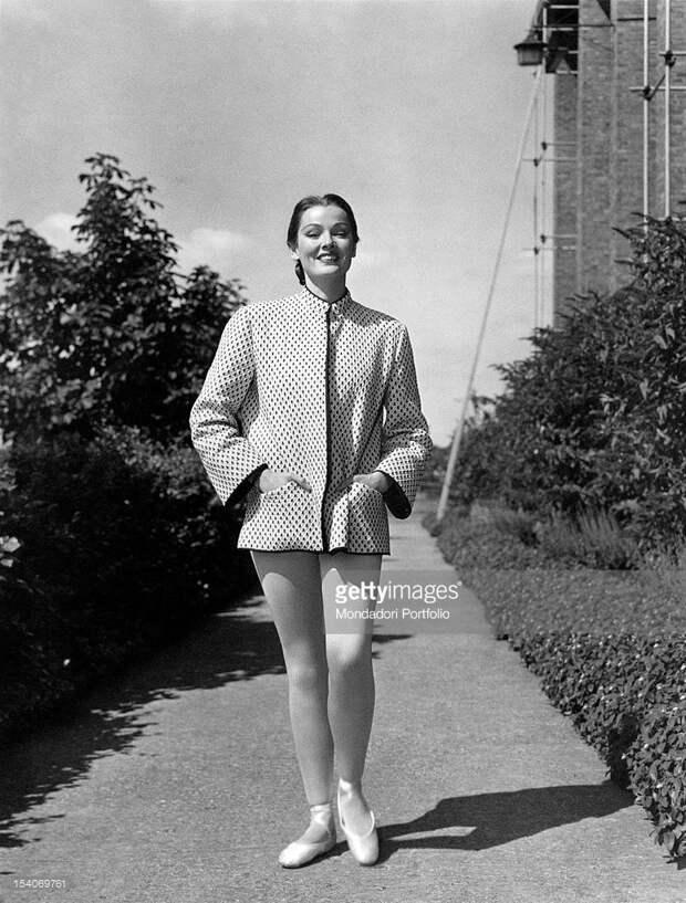 """Джин Тирни на съёмках фильма """"Не отпускай меня"""" (1953)"""