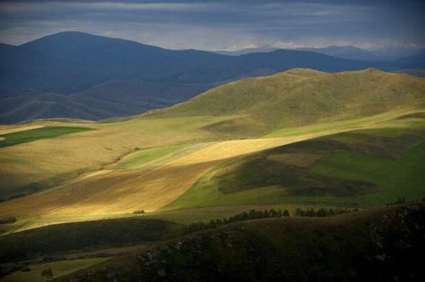 Осень в горах Казахстана с высоты птичьего полета