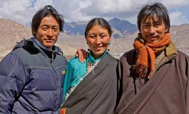 У каких народов многомужество считается нормой?