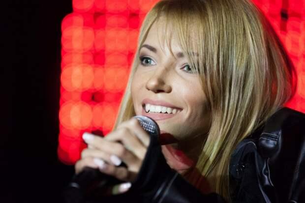 Украинцы в соцсетях злорадствуют из-за запрета Юлии Самойловой въезжать на Украину