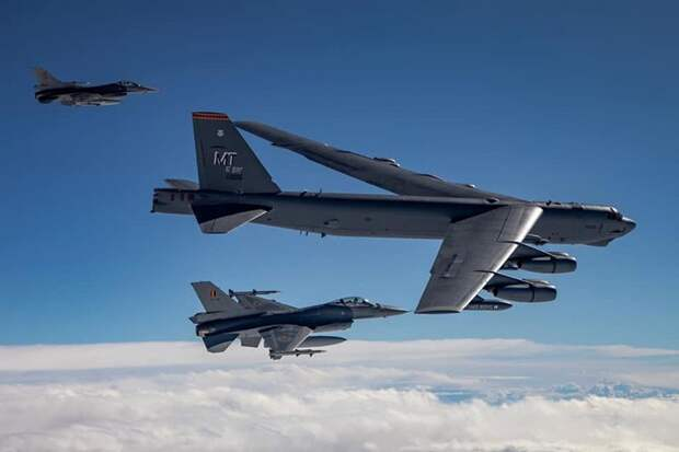 НАТО отрабатывает варианты нанесения ударов по Белоруссии и РФ - Минобороны Белоруссии