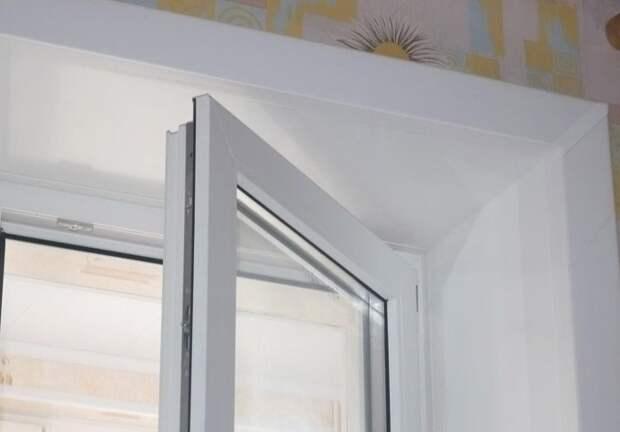 Откосы увеличивают шумоизоляцию, препятствует потере тепла и защищают монтажный шов / Фото: lorel-spb.ru