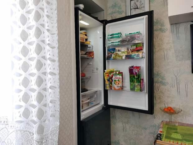Холодильник учителя из сельской глубинки: Чем он меня привлёк, делюсь наблюдениями (сфоткал в гостях)