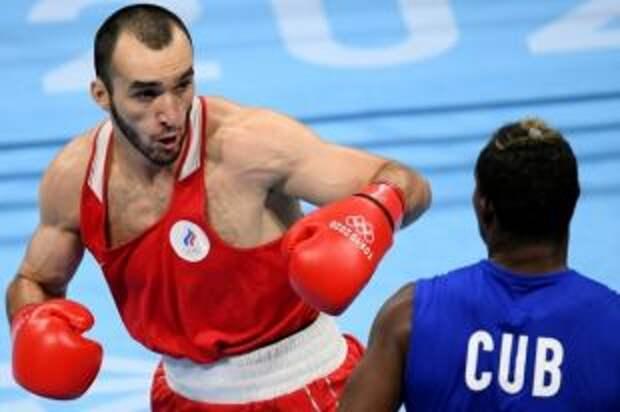 Российский боксер Гаджимагомедов завоевал серебро Олимпиады