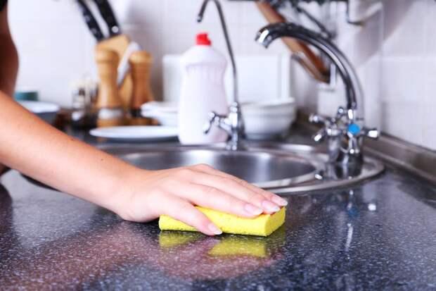 Перекись водорода – незаменимое чистящее средство на кухне и ванной