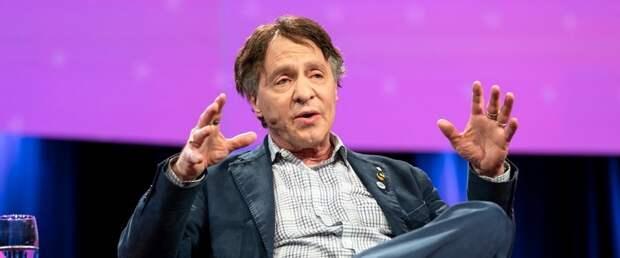 Рэй Курцвейл: «В 2045 году мы достигнем интеллектуального горизонта событий»