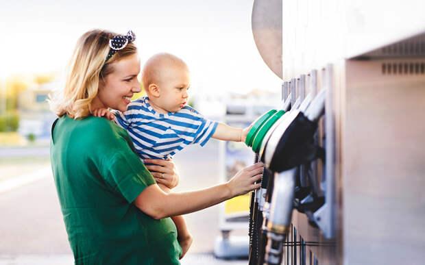 Многодетным предложили давать бесплатные талоны на бензин