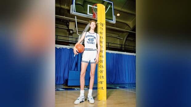 Экс-игрок НБА ростом 229 см оказался парализован после ДТП