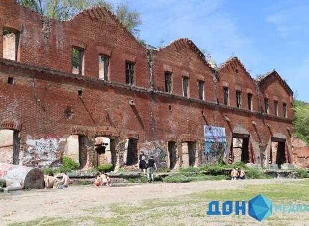 Купальный сезон открыли горожане на Парамоновских складах в Ростове