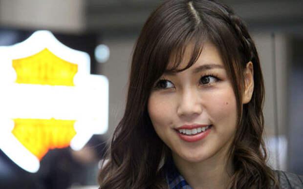 Девушки Токийского автосалона