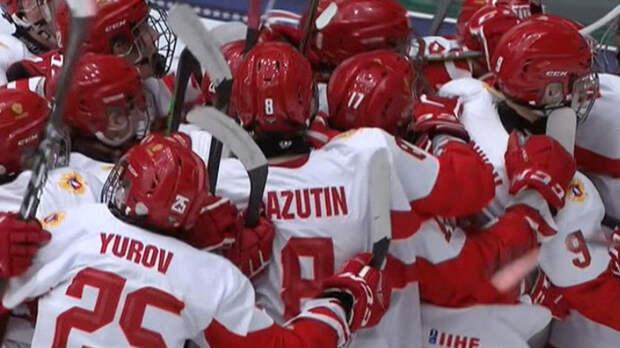 Сборная России завоевала серебро на ЮЧМ-2021