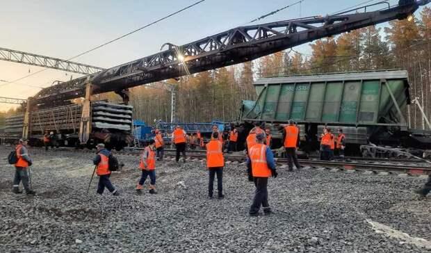 Последний перевернувшийся вагон подняли на станции Заделье в Карелии
