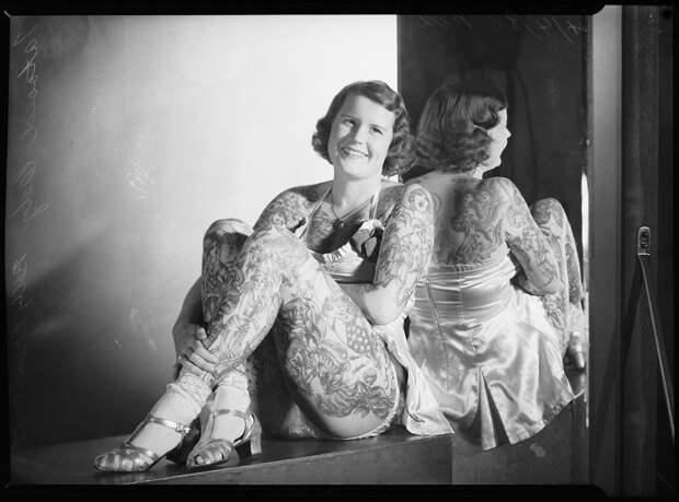 Партаки под чулками: шокирующая экзотика 20 века