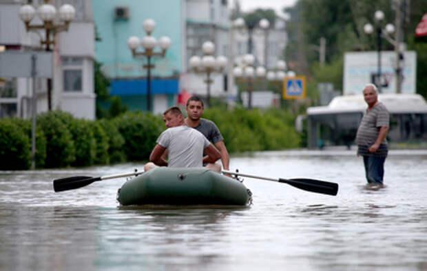 В Крыму устраняют последствия мощного наводнения