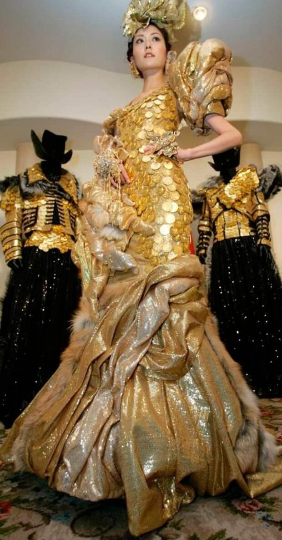 15 самых дорогих платьев, ослепивших мир своей красотой