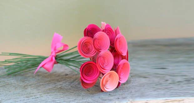 букетик из бумажных роз просто