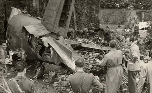 На фото: авиакатастрофа в Суперга 4 мая 1949 года