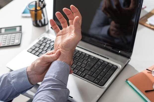 Берегите руки! Какие ортопедические проблемы возникают из-за гаджетов?