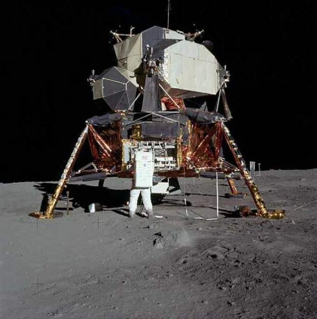 Лунный модуль.
