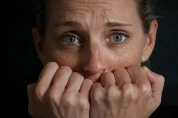 Как узнать, что ваш собеседник — псих: простые признаки, по которым можно выявить психические расстройства