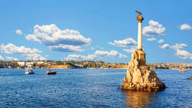 Большинство российских туристов получили самые яркие впечатления от отдыха в Санкт-Петербурге и Севастополе
