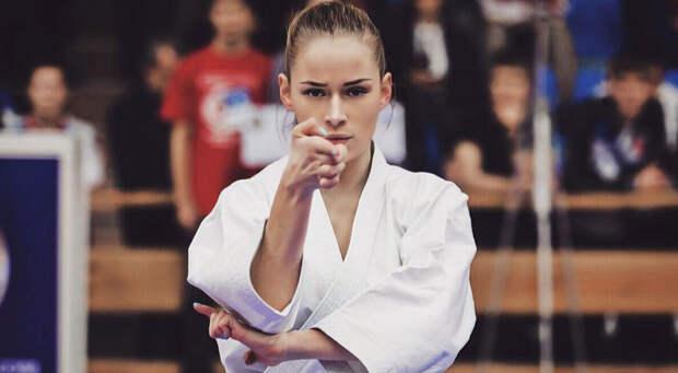 Российская карате-чемпионка поражает зрителей точеной фигурой