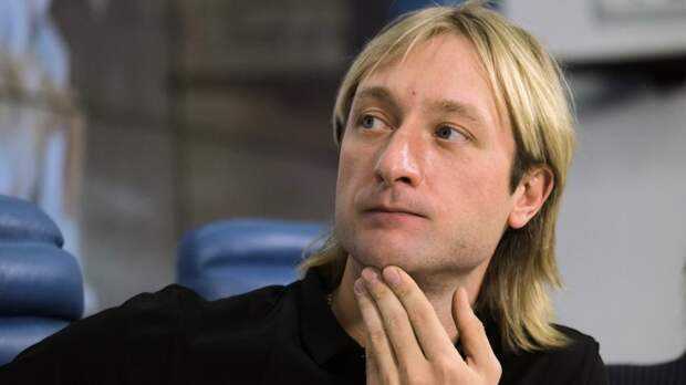 Плющенко показал коляску от Dior за 3800 евро для младшего сына