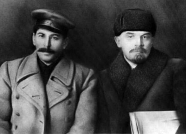 Сталин вышел на первое место в списке самых великих людей человечества
