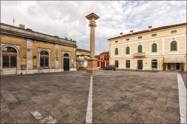 Монтаньяна-средневековый итальянский кремль.(Montagnana,provincia di Padova Veneto).