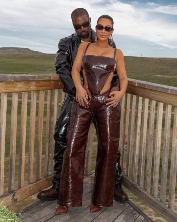 В платье Vivienne Westwood: как Ким Кардашьян выглядит после расставания с Канье Уэстом
