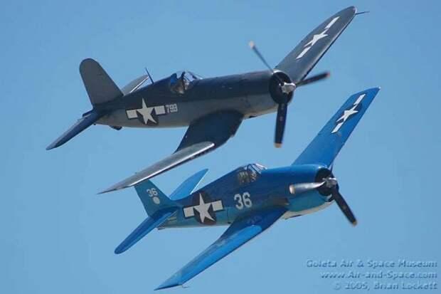 Боевые самолёты: сравнение F4U «Корсар» и F6F «Хэллкэт»