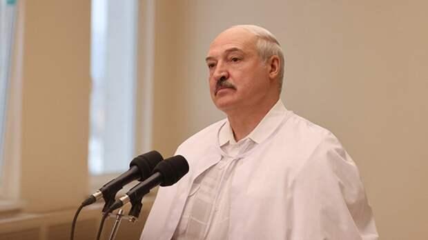 Президент Белоруссии представил отечественную вакцину от COVID-19