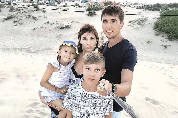 Крутой адвокат отнимает землю у бедной семьи