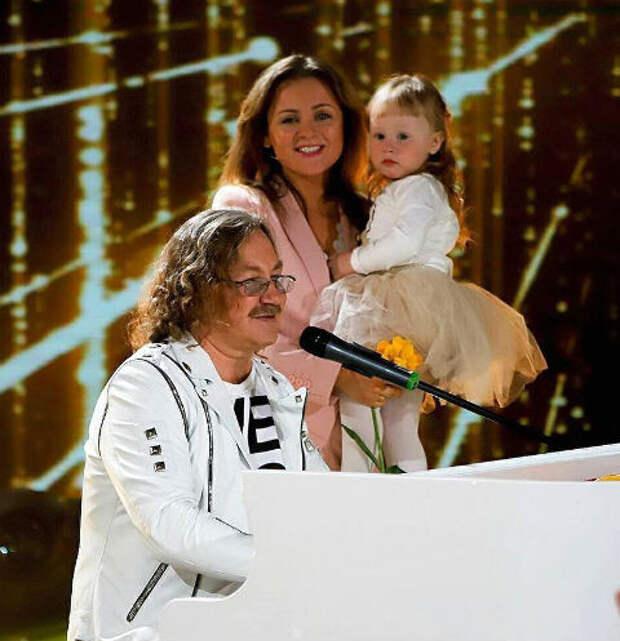 Как 2-летней дочери Игоря Николаева удалось дебютировать на сцене