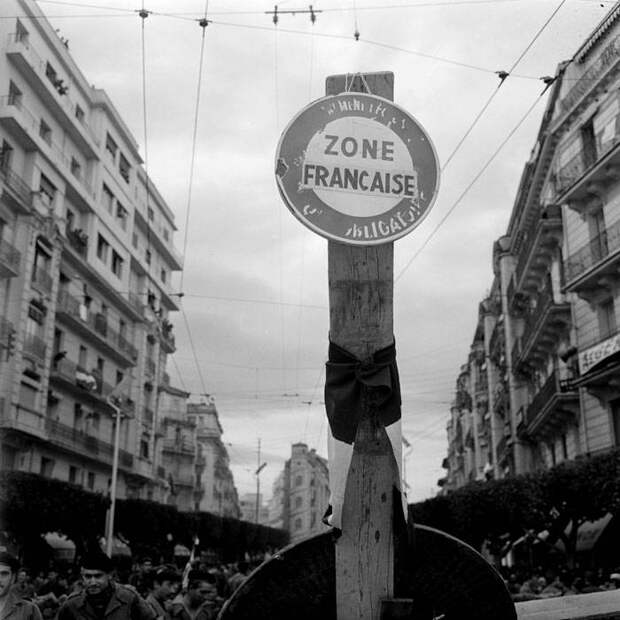 «Время парашютистов» и «Je ne regrette rien»