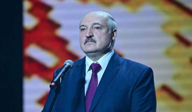 Глава МВД Украины: Лукашенко совсем свихнулся на своей власти
