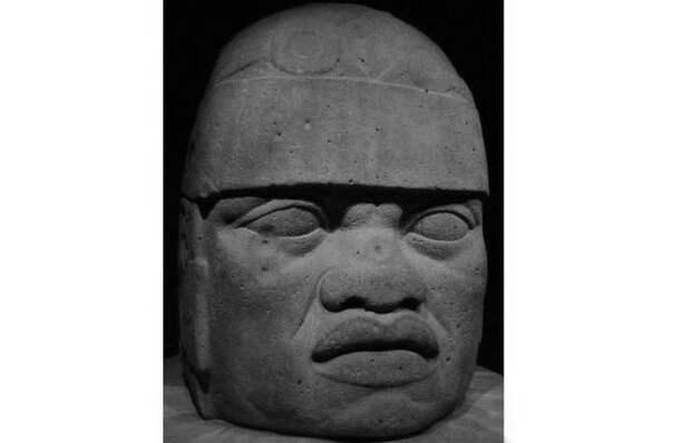 Голова № 6 из Сан-Лоренцо в Музее антропологии в Халапе