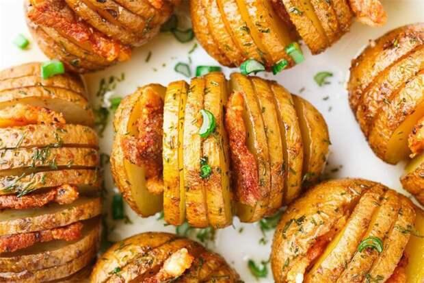 Картофель с беконом, запеченный в духовке. Картошка - гармошка Рецепт приготовления