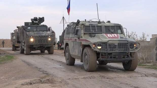 Военная полиция ВС РФ вынудила подразделение армии США свернуть патрулирование в Сирии