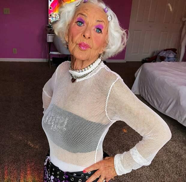 Уже стыдно: на какие вещи после 50 лет зрелой женщине я не рекомендую тратить деньги