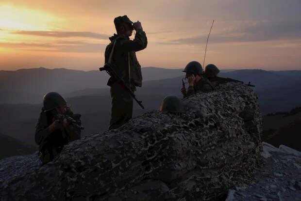 Российские пограничники в Таджикистане и ДДТ из магнитофона. 1996 год.