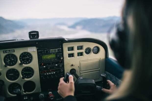 Военный вертолет Киргизии аварийно сел у границы с Таджикистаном