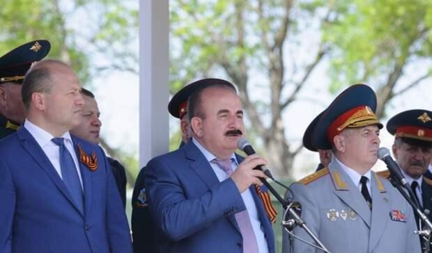 Наполигоне ДГТУ вРостове открыли памятник Герою СССР Владимиру Жукову
